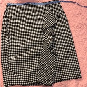 Gingham pencil skirt with ruffle EUC 12